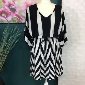 Forever Black & White Drawstring Tunic Sz 3X